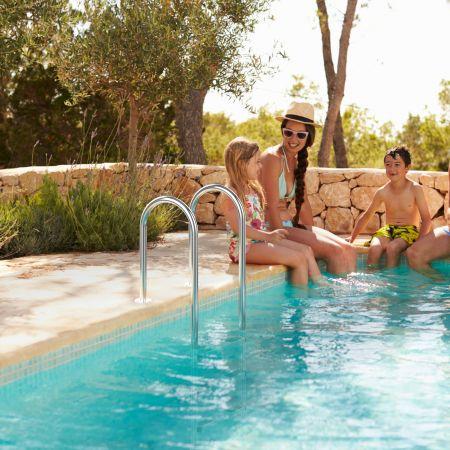 Costway 3-stufige Schwimmbad-Leiter U-förmige Pool mit rutschfesten Stufen Edelstahl Poolleiter 161 x 53 x 38 cm Silber