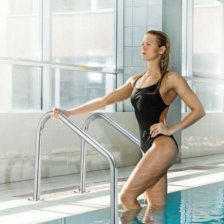 Costway Edelstahl-Poolleiter 3-stufige Schwimmbadleiter mit rutschfesten Stufen 53 x 63 x 147 cm Silber