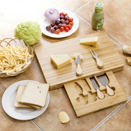 Käsebrett mit 4tlg. Besteck Käseset rechteckige Käseplatte Käsemesser Set Bambus